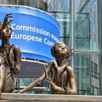 Άγαλμα έξω από την Ευρωπαϊκή Επιτροπή