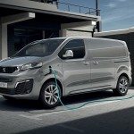 "PEUGEOT e-EXPERT ""Van of The Year 2021"""