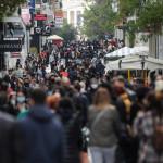 Πλήθος Κόσμου Για Ψώνια Στην Ερμού Την Κυριακή