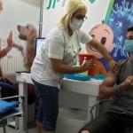 εμβολιασμός νεαρού στο Ισραήλ