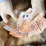 Χρήματα χέρια