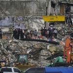 Tα χαλάσματα του 12όροφου κτιρίου που κατέρρευσε στο Μαϊάμι