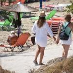 κοπέλες στην παραλία/ eurokinissi