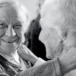 ηλικιωμένοι κοινωνία