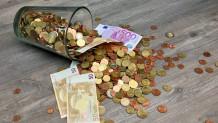 Λεφτά σε βάζο