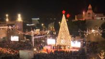 Άναψαν το χριστουγεννιάτικο δέντρο στη Βηθλεέμ