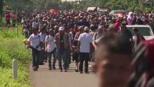 Μετανάστες από Ονδούρα κατευθύνονται προς τα σύνορα με Μεξικό