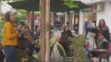 Γιούχαραν τον Καρανίκα ενώ έπινε καφέ στη Θεσσαλονίκη