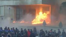 Αλβανία: Σοβαρά Επεισόδια Έξω Από Το Κοινοβούλιο!