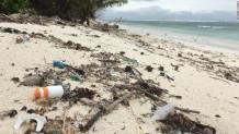 κομμάτια πλαστικού στα νησιά Κόκος