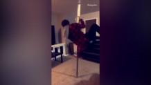 η αποτυχημένη προσπάθεια άνδρα να κάνει pole dancing