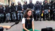 Η 17χρονη που αντιστέκεται στον Πούτιν