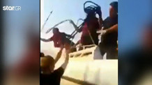 Τούρκοι λιμενικοί χτυπούν με γκλομπ μετανάστες