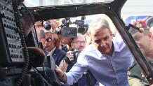 Ο Μητσοτάκης στη ΔΕΘ στο περίπτερο του υπουργείου Άμυνας