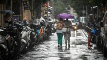 Βροχη στο κεντρο της Αθηνας