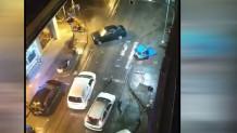 Στιγμιότυπο από την πτώση οδηγού πάνω σε άλλα αμάξια στη Θεσσαλονίκη