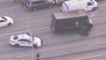 Η αστυνομία ακολουθεί το φορτηγό με τους ληστές