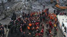 Διασώστες στο φονικό σεισμό της Τουρκίας στις 24 / 01