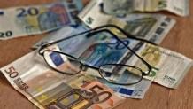 Γυαλιά και χρήματα