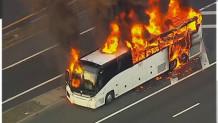 Λεωφορείο στις φλόγες