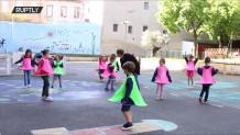 χούλα χουπ για φυσική απόσταση μεταξύ μαθητών