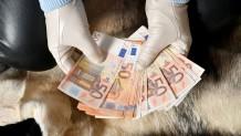 Χρήματα και γάντια