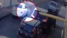 αγοράκι έπεσε σε ρόδες αυτοκινήτου