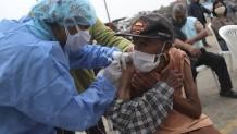 άνθρωποι δοκιμάζουν εμβόλιο κατά του κορωνοϊού