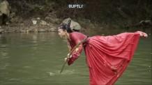 κινέζα που χορεύει σε ξύλο