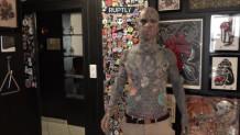 ο δάσκαλος με τα τατουάζ