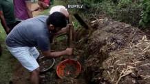 Ινδία-παλεύουν με κοπριά