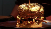 μπέργκερ από χρυσάφι