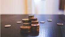 Χρήματα σε τραπέζι