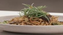 Cook Beef: Συνταγή Για Noodles με λαχανικά