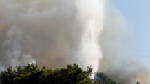 Μεγάλη φωτιά στη Ρόδο: Εκκενώνεται η Κοιλάδα των Πεταλούδων