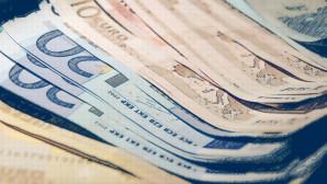Βγήκε η εγκύκλιος: «Μαχαίρι» 3,4 δισ. ευρώ στις συντάξεις το 2019