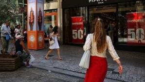 Εκπτώσεις: Οι γυναίκες… ανασταίνουν την αγορά