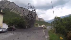 Η στιγμή που πέτρες και λάσπη πετάγονται από την γέφυρα