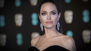 Angelina Jolie με σπάνια νόσο