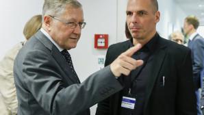 Ρέγκλινγκ: Έως 200 δισ. ευρώ το κόστος του πρώτου εξαμήνου του 2015