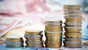 Στοίβες από κέρματα του ευρώ