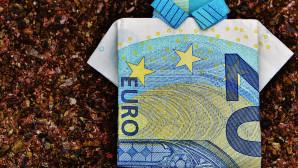 Χαρτονομισμα ευρώ διπλωμένο