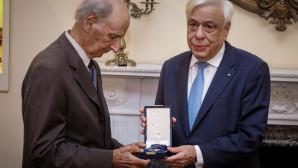 Ο κ. Παυλόπουλος απονέμει ο παράσημο του Ταξιάρχη της Τιμής