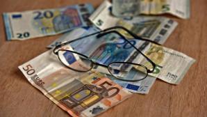 Χρήματα και γυαλιά