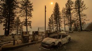 Καμένο αυτοκίνητο σε βενζινάδικο στην Καλιφόρνια