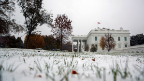 Ο Λευκός Οίκος με χιόνι