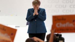 """Συγκινημένη η Άνγκελα Μέρκελ στο """"αντίο"""" της από την ηγεσία του CDU"""