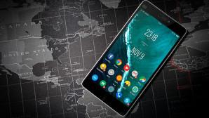 Κινητό android πάνω σε χάρτη