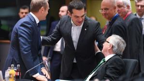 Τσίπρας και Γιούνκερ στη σύνοδο κορυφής της ΕΕ