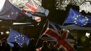 Σημαίες Ην.Βασιλείου και Ευρωπαϊκής Ένωσης